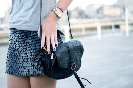 Martina's Wardrobe - falda escamas cuero